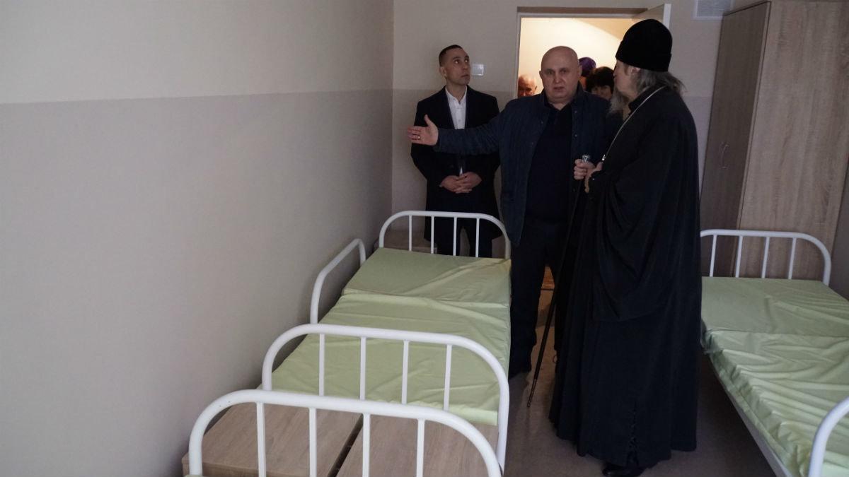 Митрополит Иоанн, мэр Белгорода Юрий Галдун и Сергей Фуглаев посетили центр «Милосердия и забота» в Белгороде, фото-12
