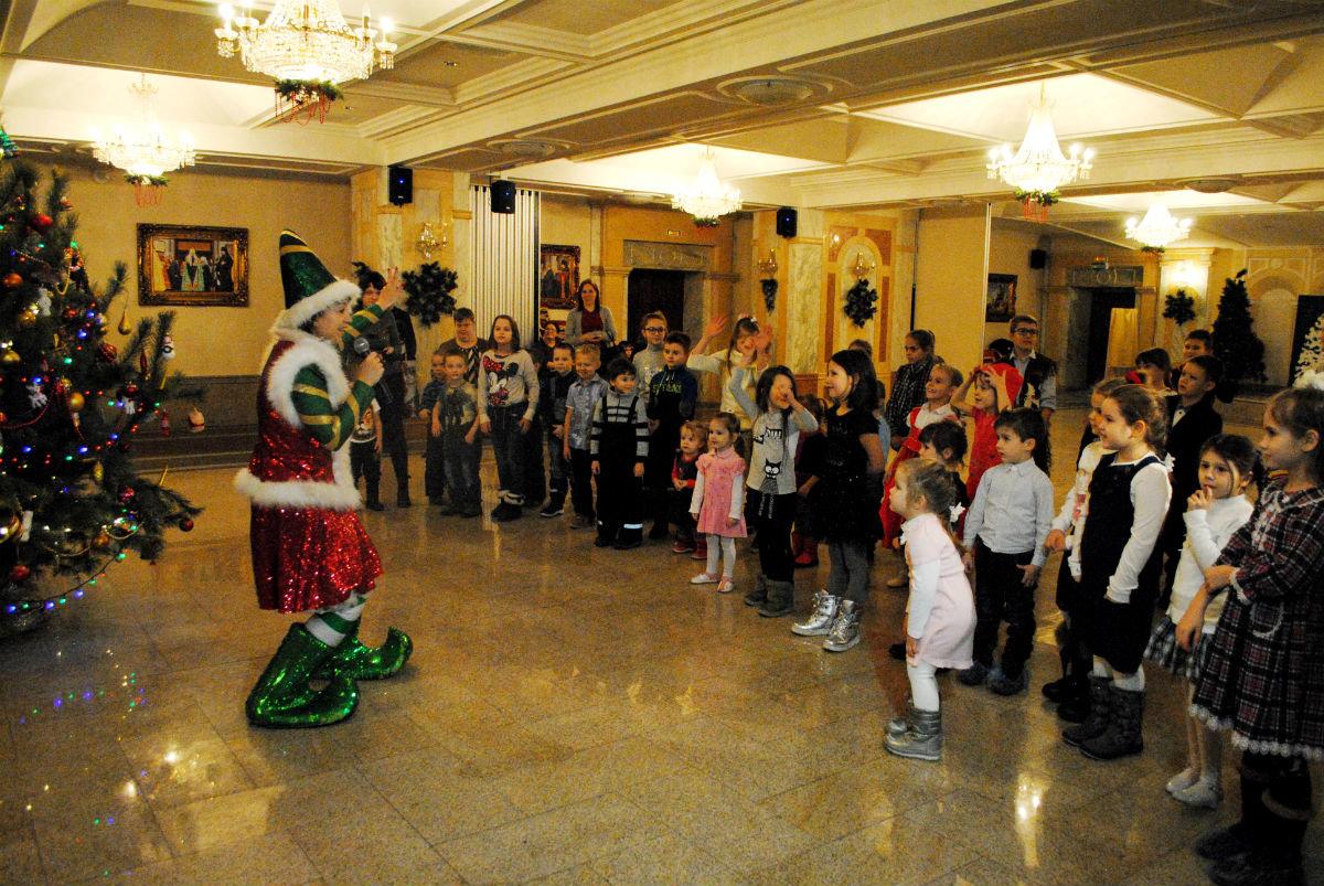 Дети из многодетных семей Белгородской области получили новогодние подарки , фото-1