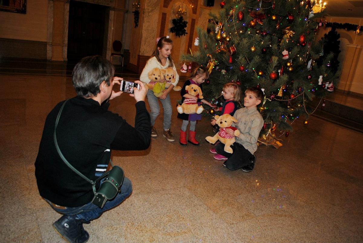 Дети из многодетных семей Белгородской области получили новогодние подарки , фото-6