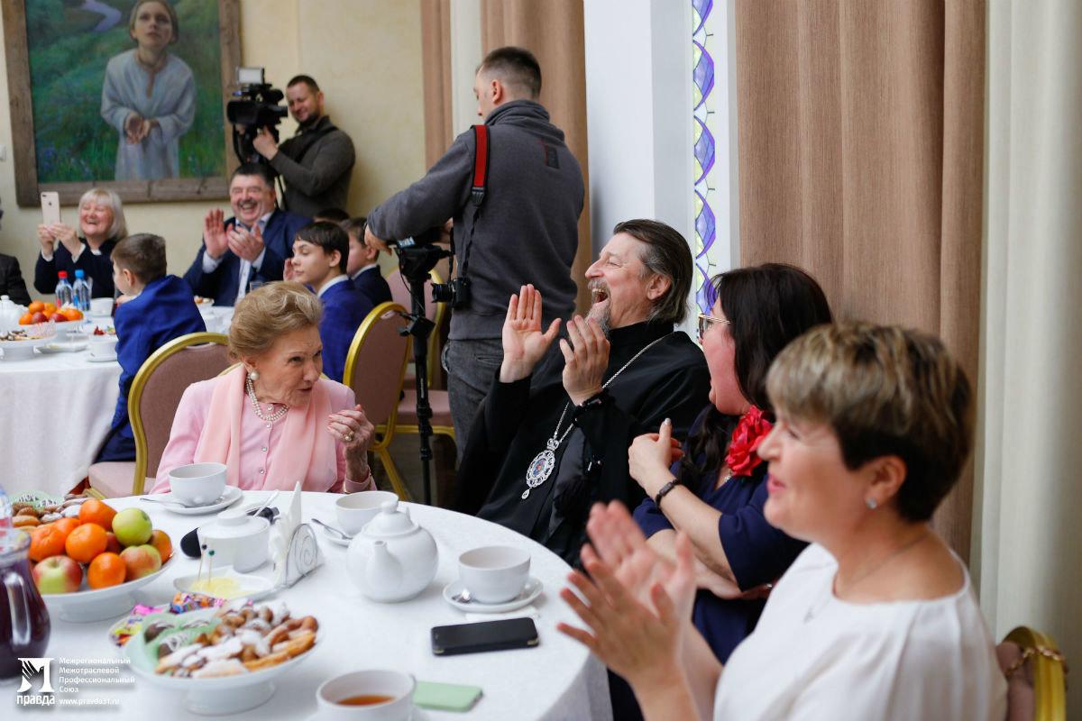 В Белгородской митрополии прошёл семейный праздник для детей из социальных центров, фото-16