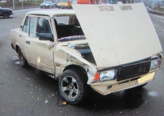 В Белгороде в аварию попал несовершеннолетний водитель , фото-1