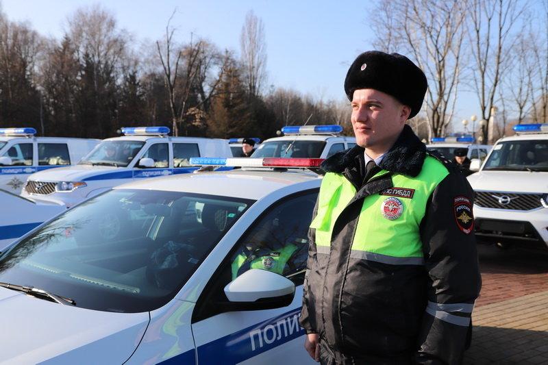 Белгородские госавтоинспекторы получили ключи от новых машин, фото-3