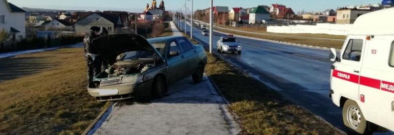 В Губкине «десятка» врезалась в столб, пострадала пассажирка, фото-1, Фото: пресс-служба управления МВД по Белгородской области