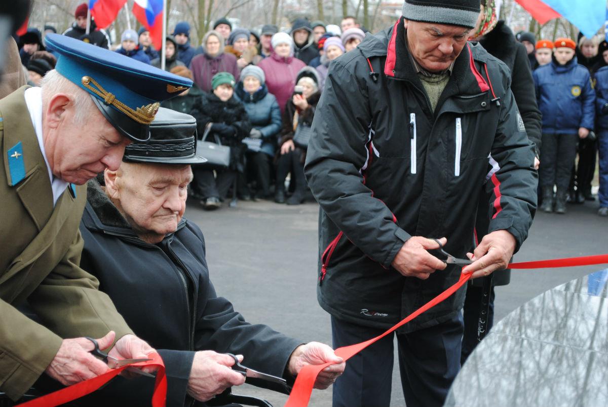 В Парке воинской славы Нового Оскола открылся памятник землякам, вернувшимся с войны, фото-7