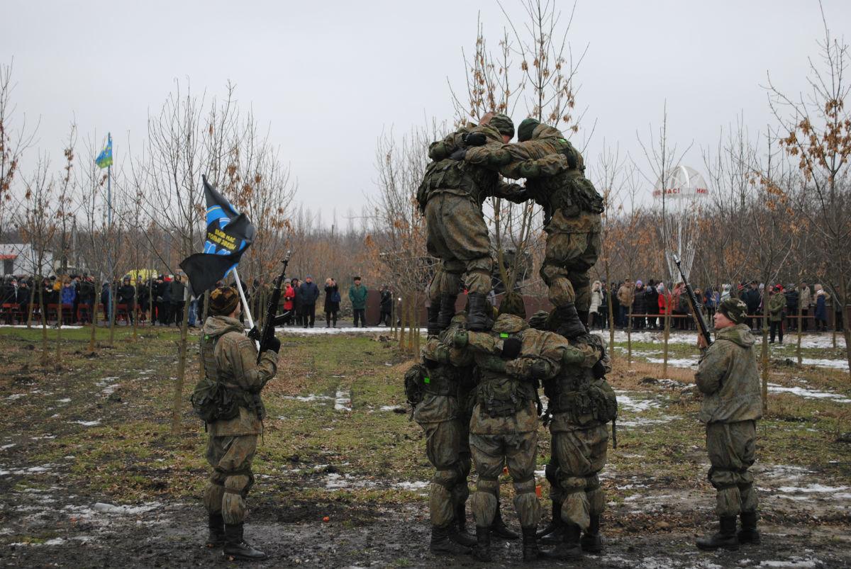 В Парке воинской славы Нового Оскола открылся памятник землякам, вернувшимся с войны, фото-10