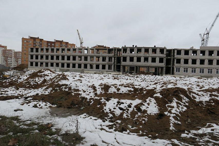 В Старом Осколе горела строящаяся школа, фото-1