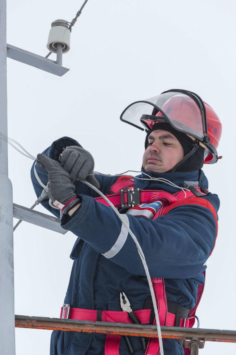 Белгородские энергетики завершают восстановление электроснабжения, нарушенного циклоном, фото-3