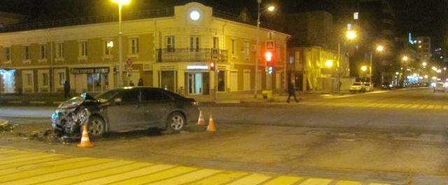 Белгородец на ВАЗе проехал на красный свет и протаранил «Мерседес», фото-4