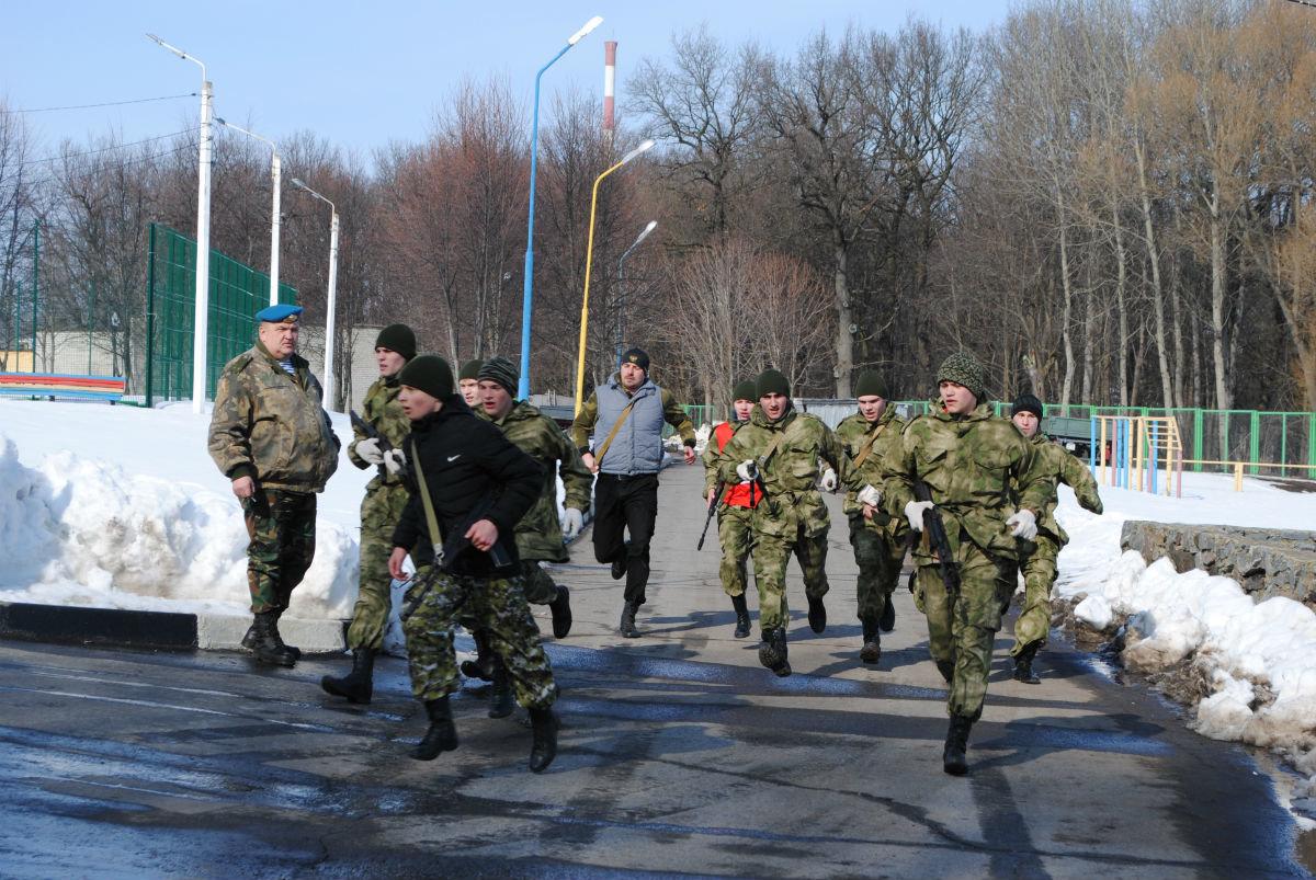 Марш-броском почтили память российских десантников будущие защитники Отечества, фото-7