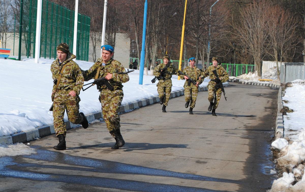 Марш-броском почтили память российских десантников будущие защитники Отечества, фото-8