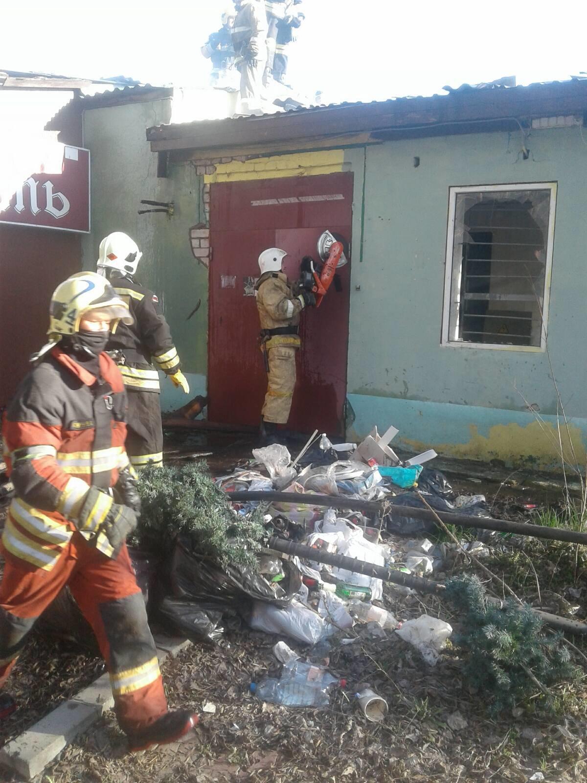В Белгороде потушили здание ресторана «Плаза», фото-6
