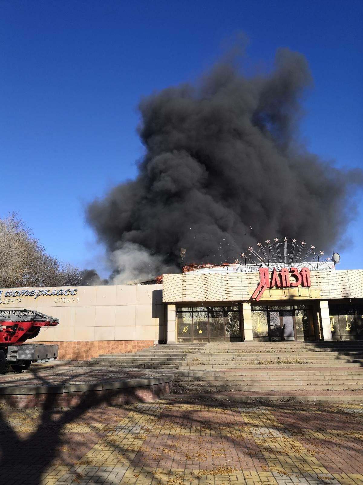 В Белгороде потушили здание ресторана «Плаза», фото-1