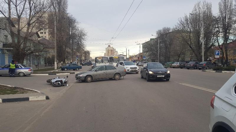 В Белгороде мотоциклисты открыли сезон ДТП, фото-1