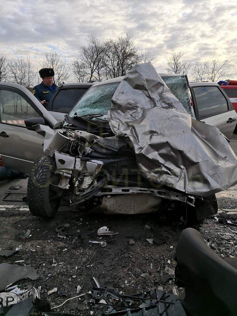 Утреннее ДТП под Белгородом унесло жизни двух человек, фото-1