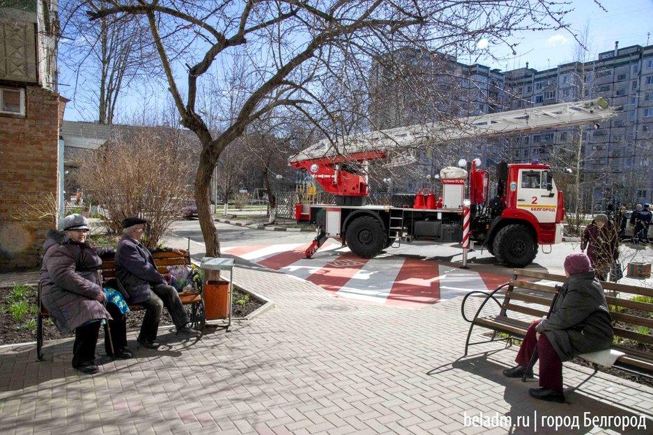 В Белгороде во дворах многоэтажек обустроят 42 стоянки для пожарных , фото-1