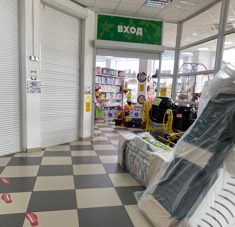 В Губкине торговые центры пока продолжают работать, фото-11
