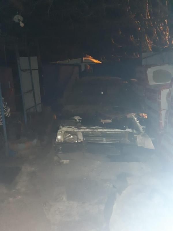 В Губкине пьяный водитель  влетел в сарай, фото-1