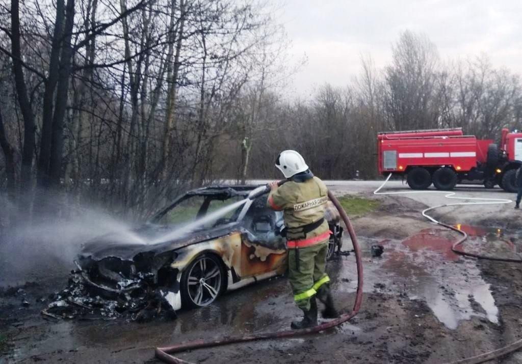 На белгородской трассе дотла сгорел BMW, фото-1