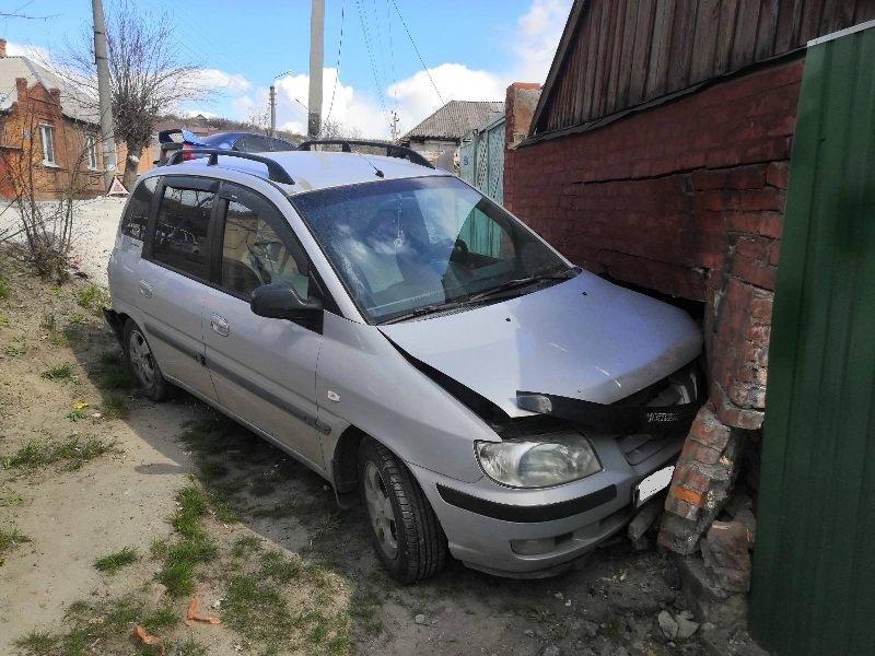 В Белгороде внедорожник перевернулся после столкновения с легковушкой, фото-4