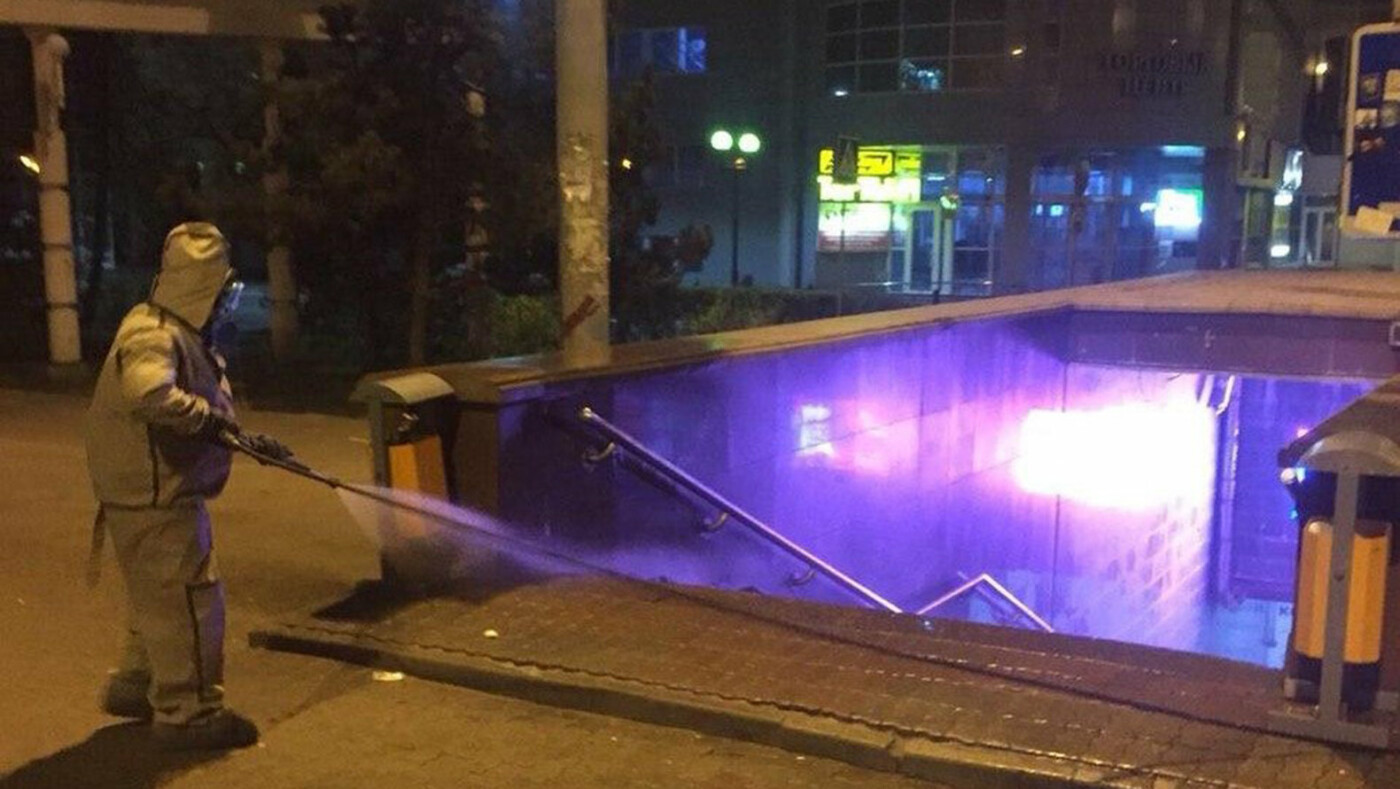В Белгороде по ночам дезинфицируют улицы, фото-4