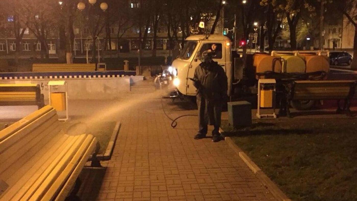 В Белгороде по ночам дезинфицируют улицы, фото-3