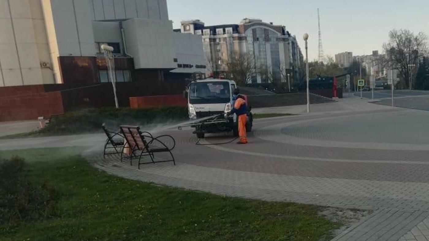 В Белгороде по ночам дезинфицируют улицы, фото-6