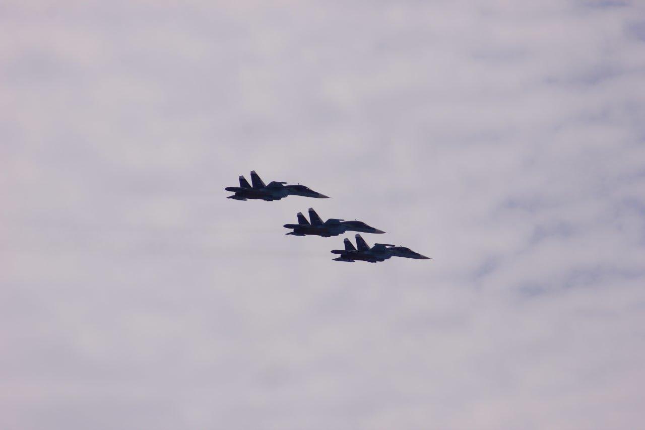 Военные истребители провели тренировку парада Победы в небе над Белгородом , фото-2