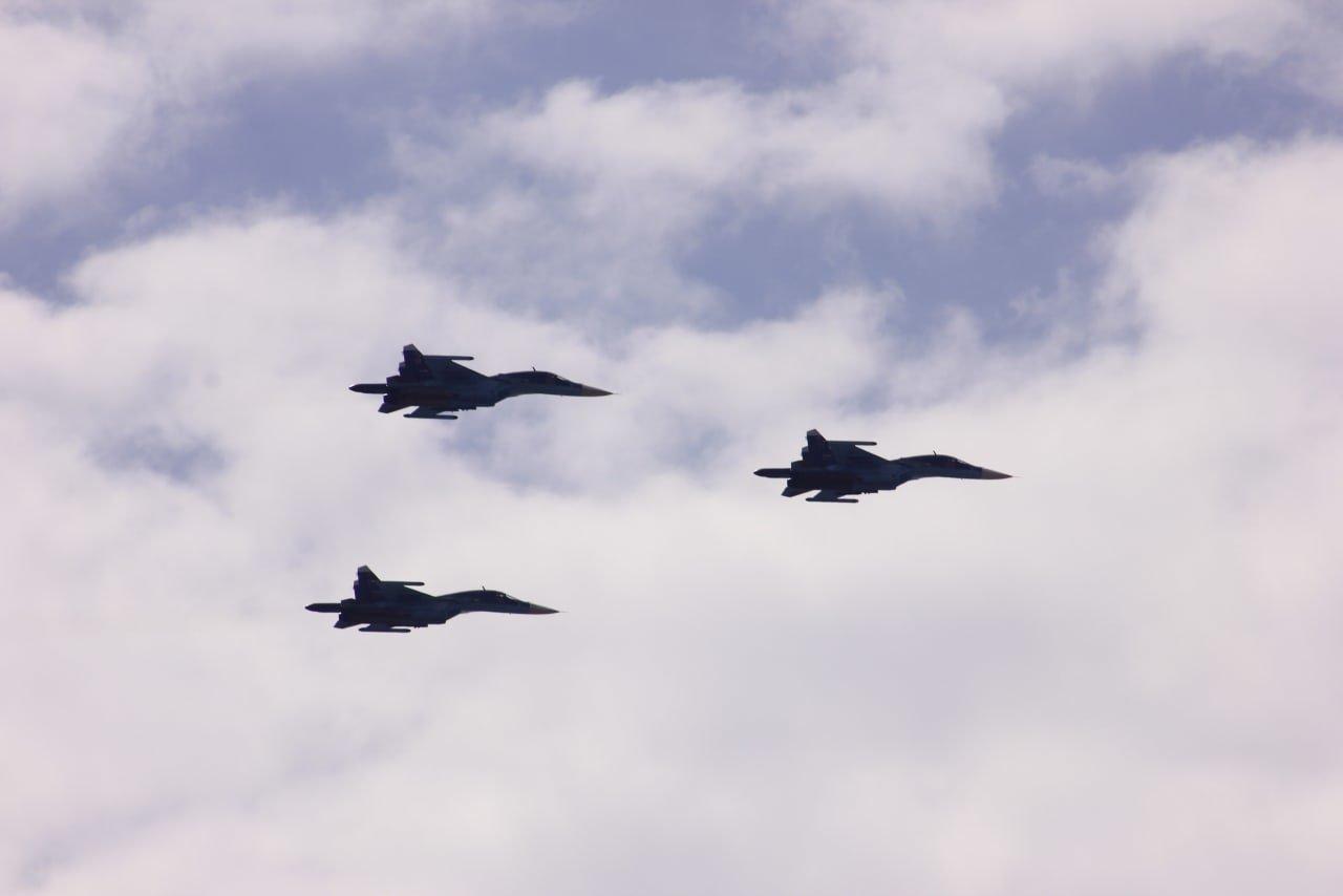 Военные истребители провели тренировку парада Победы в небе над Белгородом , фото-1
