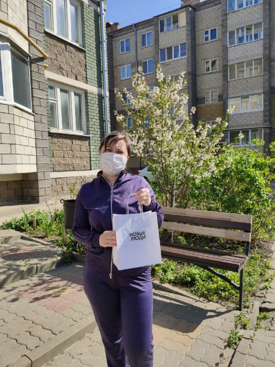 Более 400 белгородцев получили антисептики от волонтёров партии «Новые люди», фото-3