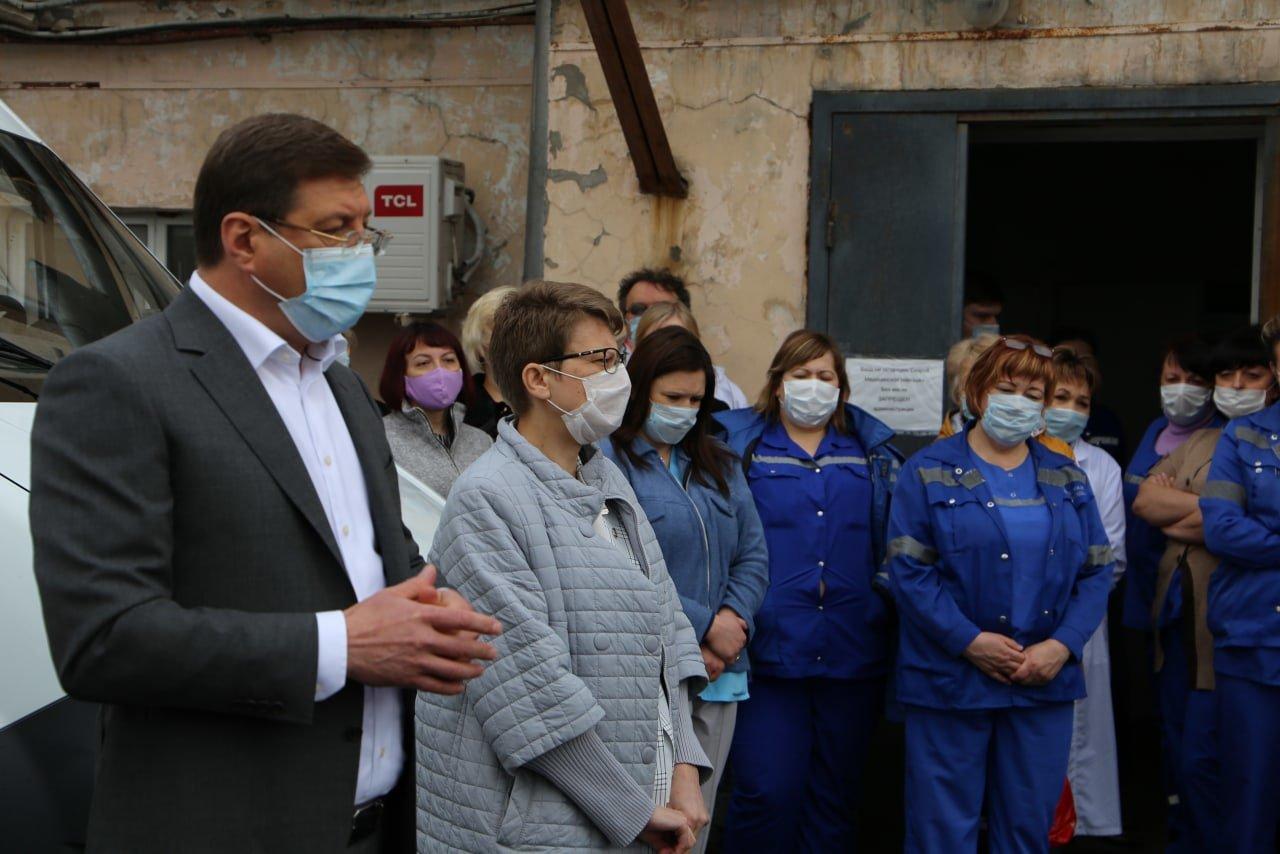 После видеообращений сотрудников скорой помощи из Старого Оскола с ними встретился глава округа, фото-3