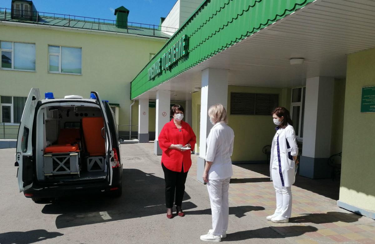 В райбольнице Белгородской области появился новый автомобиль скорой помощи от фонда «Поколение», фото-1