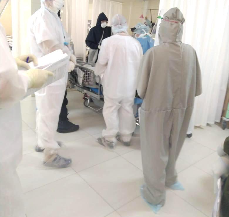 Как выглядят медики при работе в ковид-госпитале Белгорода, фото-2, Фото: Антон Бондарев