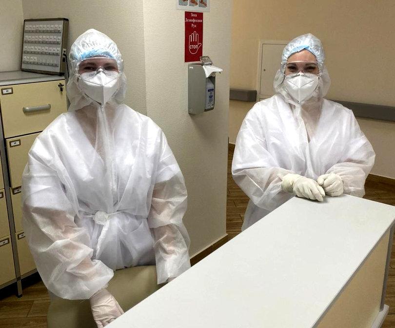 Как выглядят медики при работе в ковид-госпитале Белгорода, фото-5, Фото: Антон Бондарев