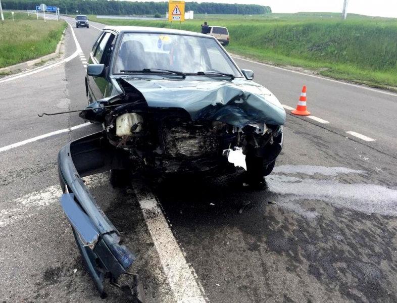 Под Прохоровкой «Рено Дастер» влетел в КамАЗ: водитель погиб , фото-2