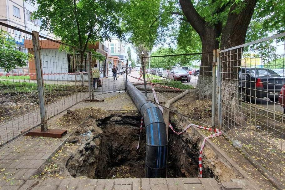 В Белгороде ликвидировали порыв канализационного коллектора, фото-3