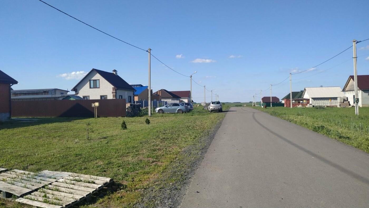 «Предложили ездить на такси!» Жители двух сёл Белгородского района вынуждены ходить до остановки 3,5 километра, фото-1