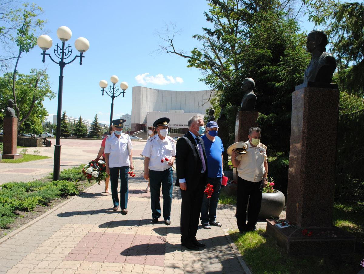 На празднование 75-летия Победы фонд «Поколение» передал белгородским ветеранам 30 миллионов рублей, фото-2