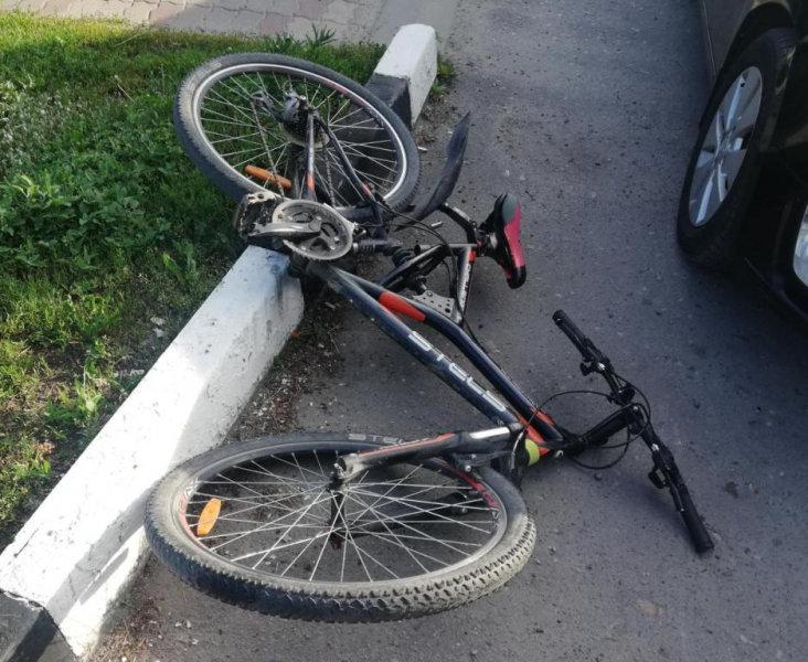 В Шебекине под колёса машины попал юный велосипедист, фото-1