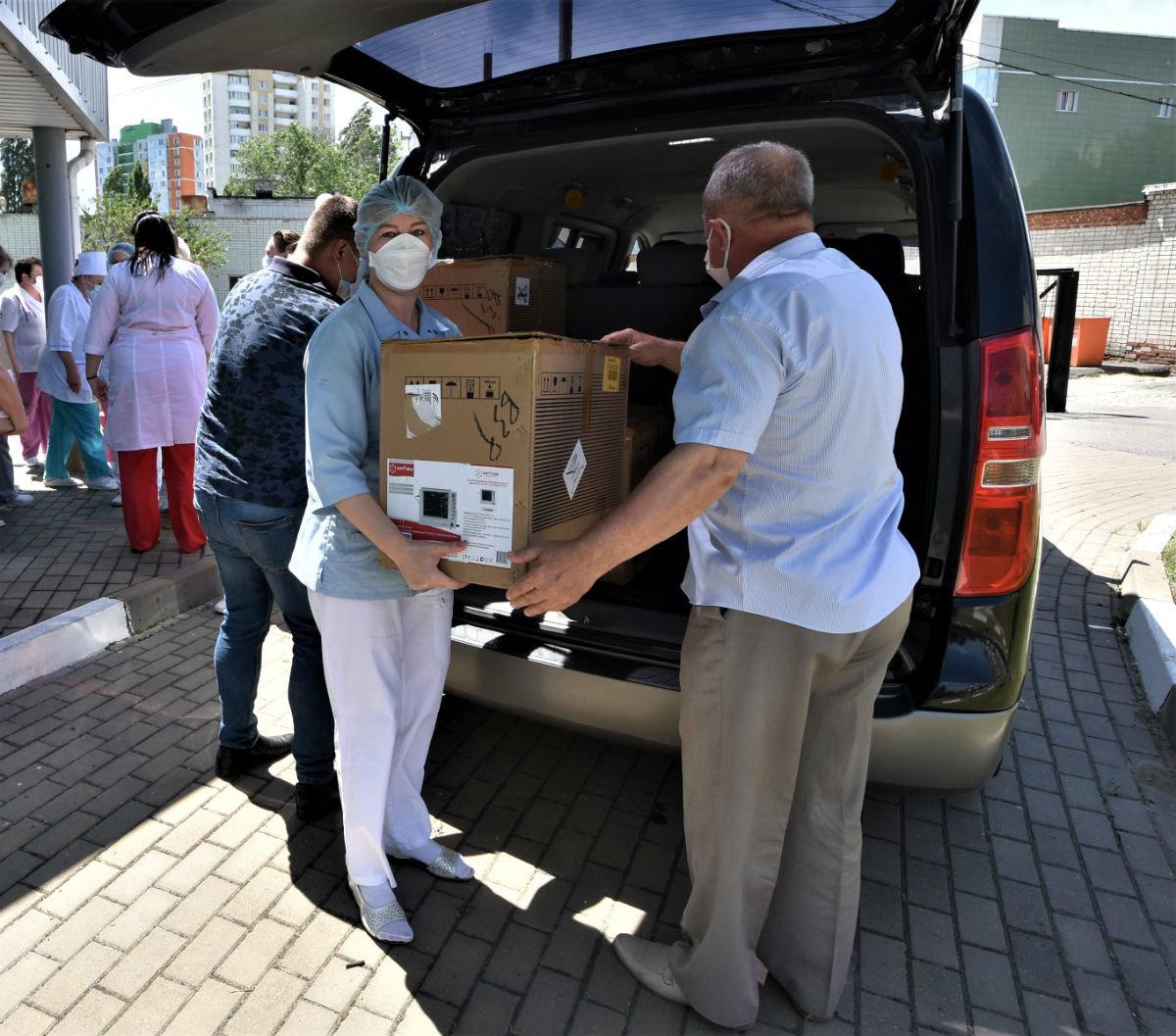 Корпорация ЖБК-1 передала медицинское оборудование в инфекционную больницу Белгорода, фото-1