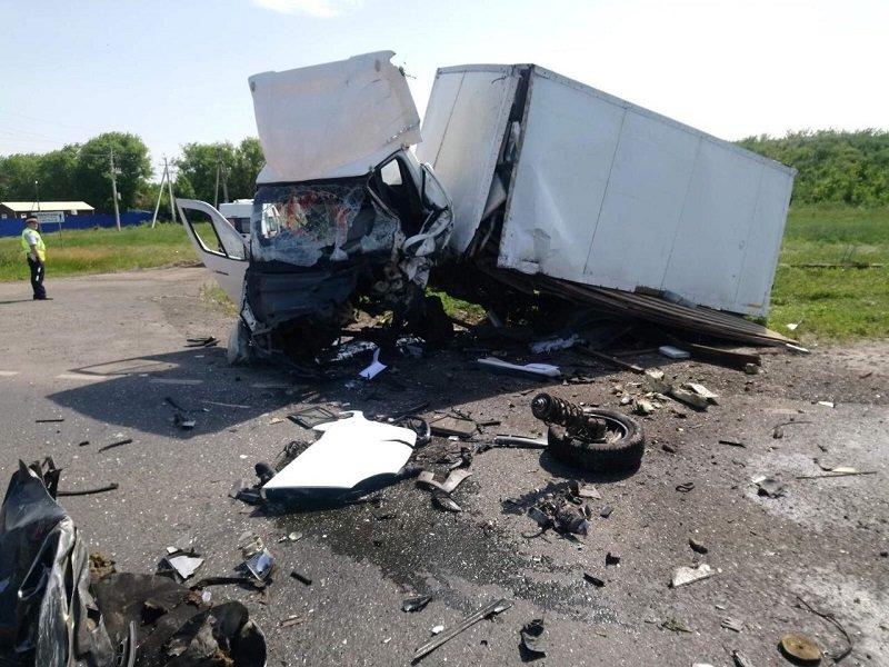 Авария под Белгородом унесла жизни трёх человек, фото-1