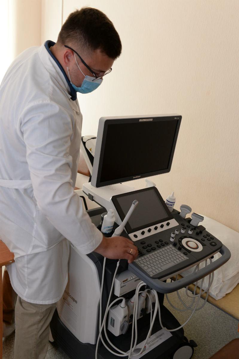 Губкинские врачи получили в подарок от «Металлоинвеста» новое оборудование , фото-3