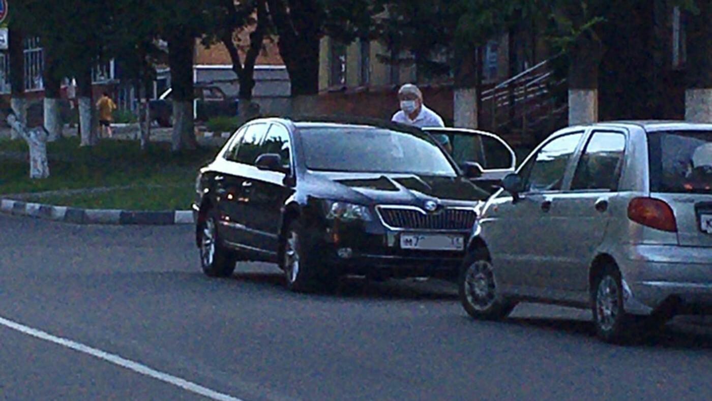 Как в Губкине чиновники паркуются, фото-2