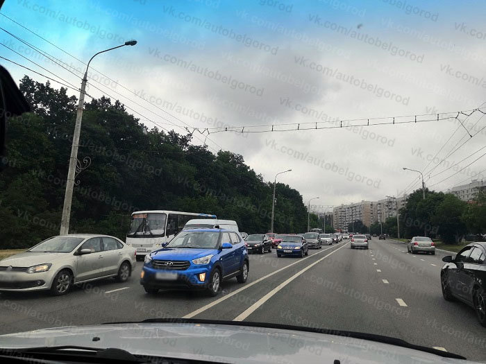 Из-за поломки умного светофора Белгород попал в большую пробку , фото-4