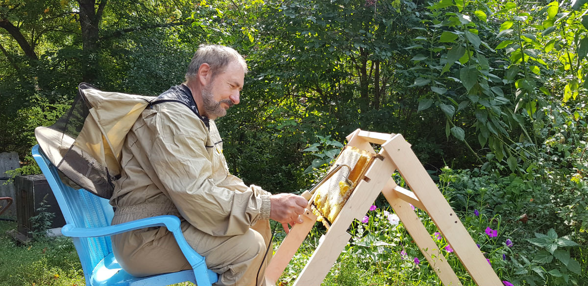 Инструменты для пчеловодов Белгородской слюдяной фабрики были в центре внимания межрегиональной выставки, фото-6
