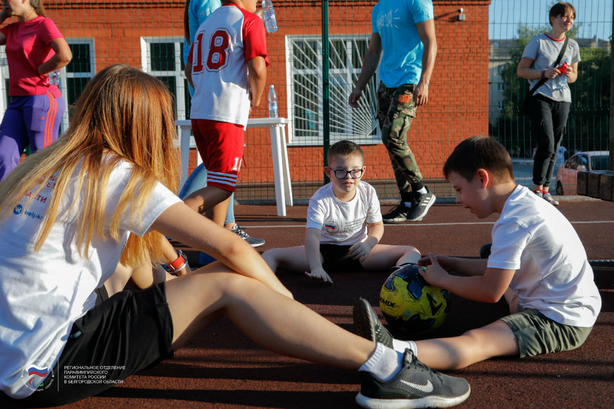 Инклюзивный спортивный праздник прошёл в 15-м округе Белгорода, фото-17