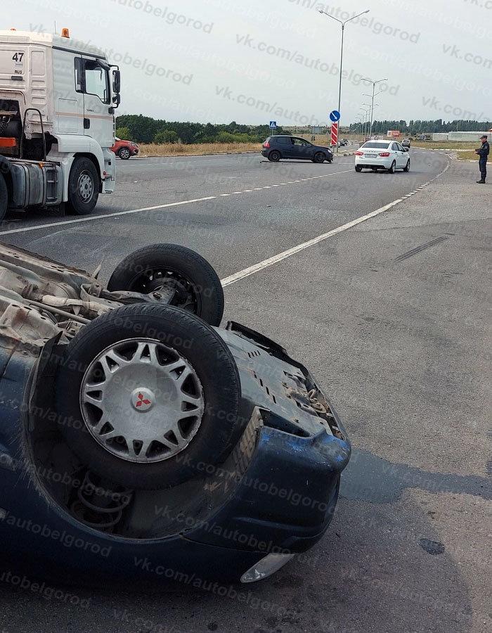 В Белгороде за час перевернулись две машины, фото-5, Фото: паблик во ВКонтакте «Авто Белгород»