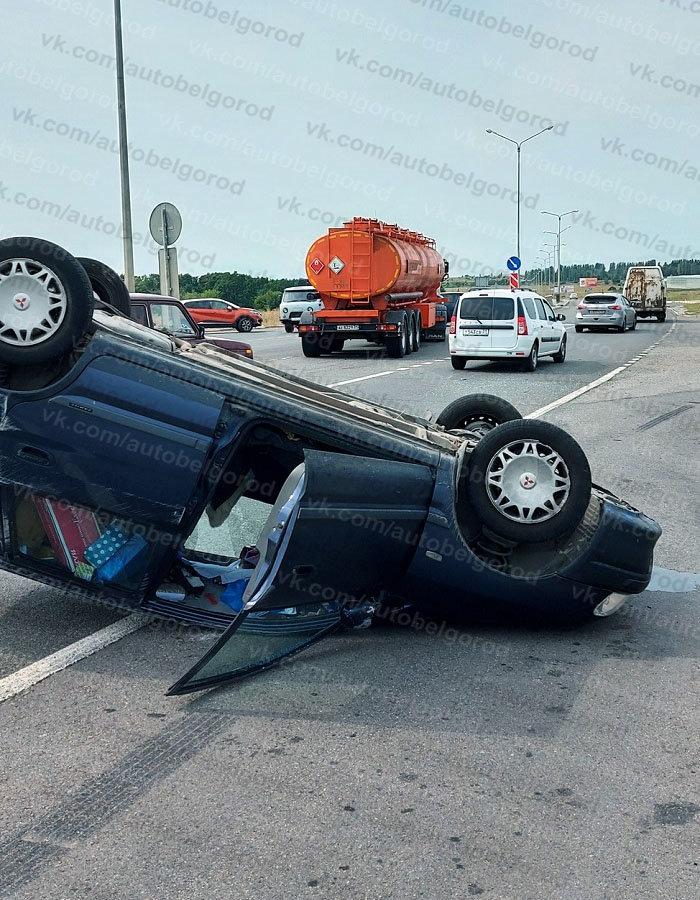 В Белгороде за час перевернулись две машины, фото-4, Фото: паблик во ВКонтакте «Авто Белгород»