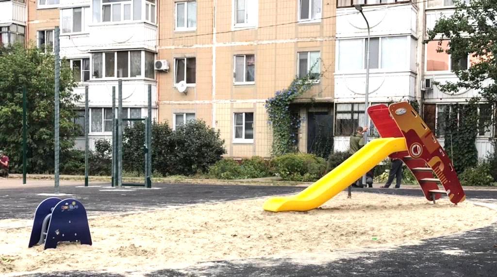 В Белгороде появилась первая межквартальная спортплощадка, фото-4