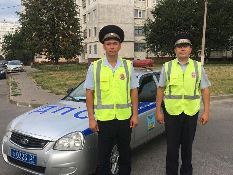 В Белгороде автоинспекторы помогли доставить беременную в больницу, фото-1