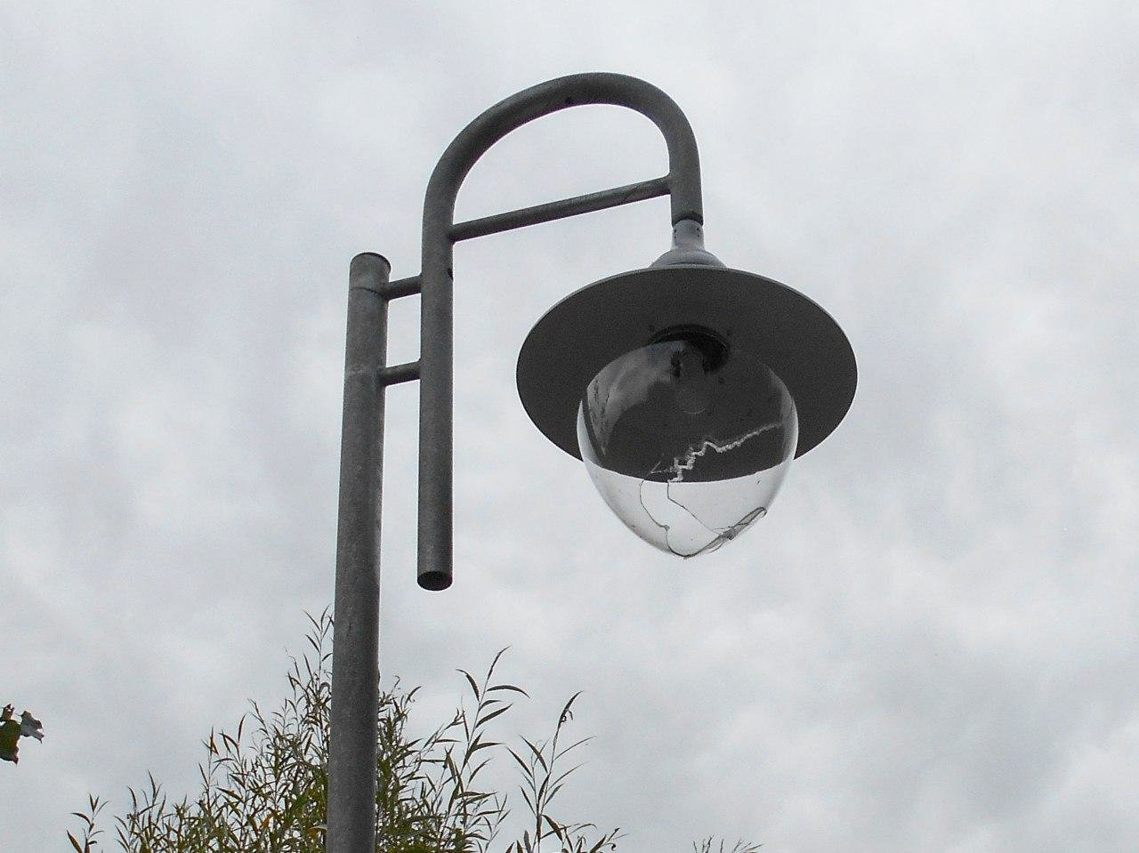В Белгороде на новой велодорожке разбили фонари, фото-3